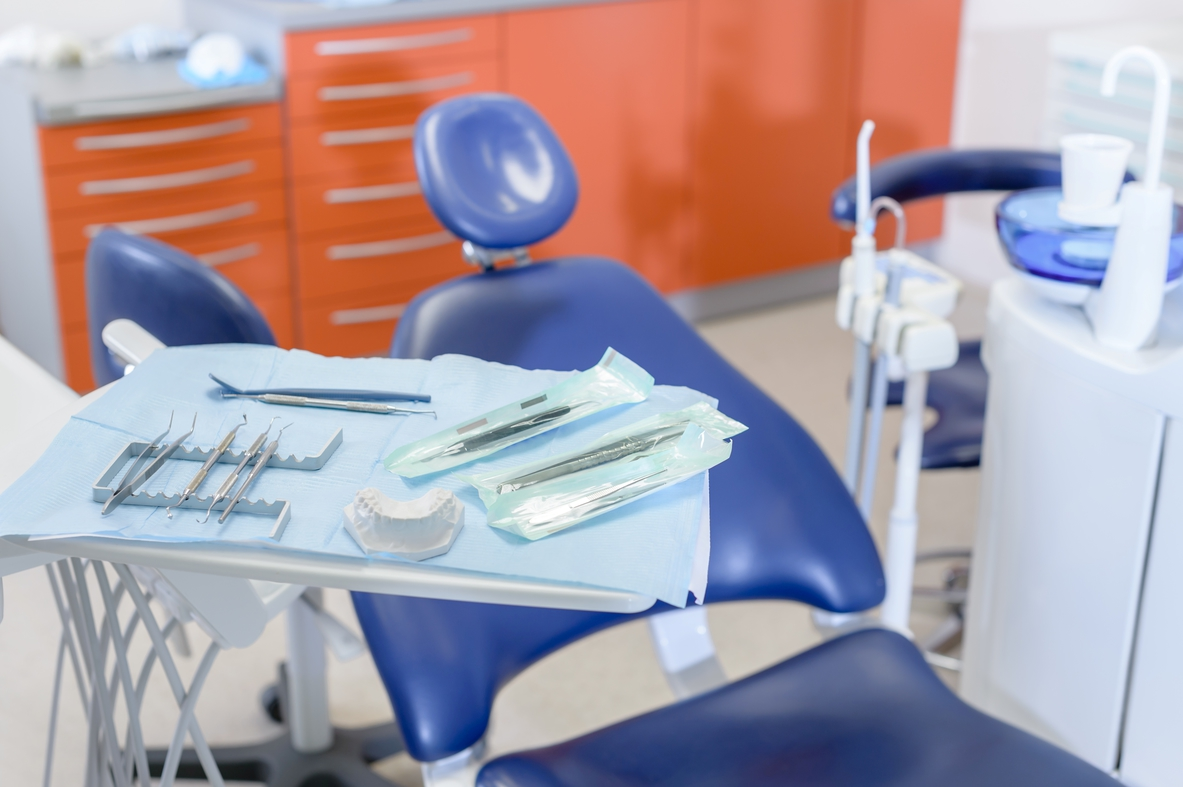cadeira de consultório odontológico: um dos fatores que impacta no preço para se abrir sua sala