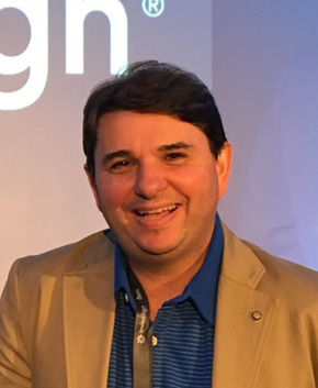 Invisalign Doctor Dr. Luiz Eduardo Zacour